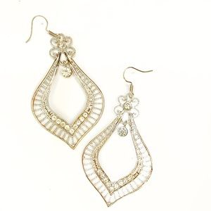 Silver dangle rhinestone fashion earrings